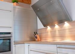 wandschutz aus kunststoff oder edelstahl. Black Bedroom Furniture Sets. Home Design Ideas